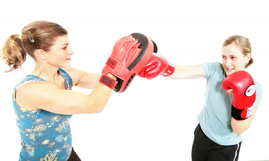 MAX10 Fitness & Boot CampMAX Kickboxing and Boxing Classes